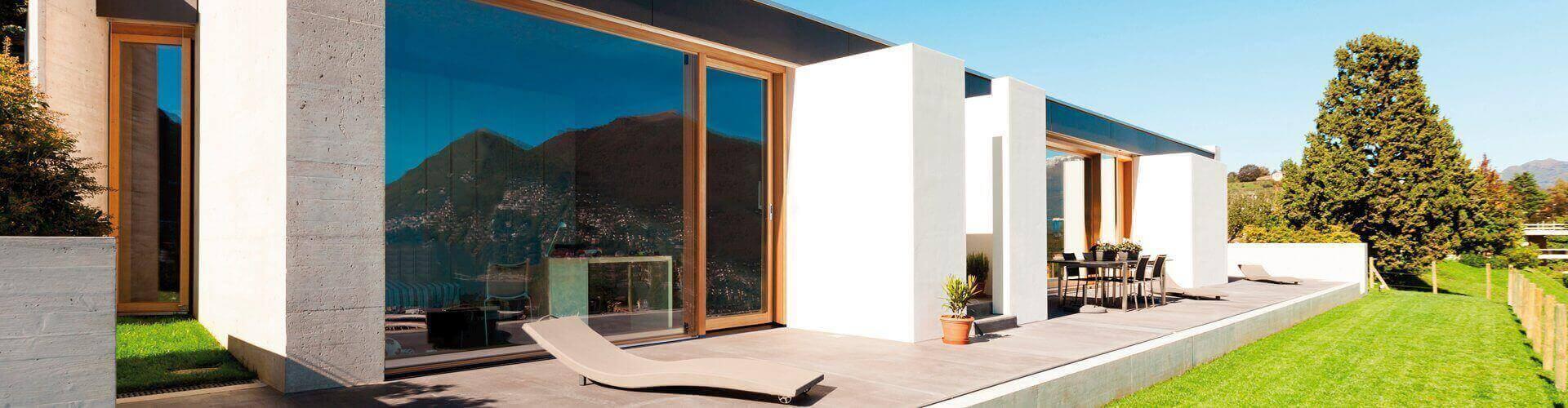 imago-liftslide-doors-on-villa
